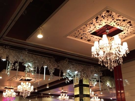 Nice ambience picture of super star restaurant hong for Ambiance cuisine nice