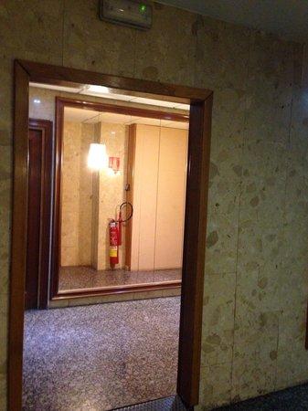 Hotel Auto Hogar : Corridoio