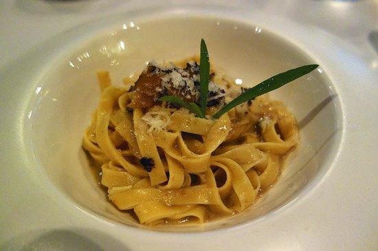 Zenzero Restaurant & Wine Bar: Tagilatelle with truffles