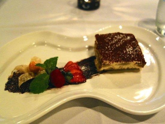 Zenzero Restaurant & Wine Bar: Tiramisu