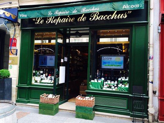 Rue Cler : Tiendecia de vinos