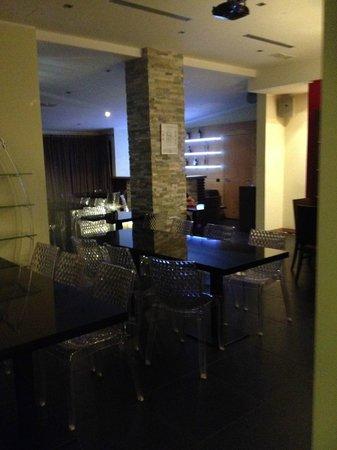 Bloody Mary Restaurant : Main room