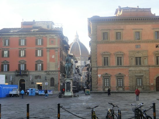 Hotel Loggiato dei Serviti: The view from the piazza in front of the hotel