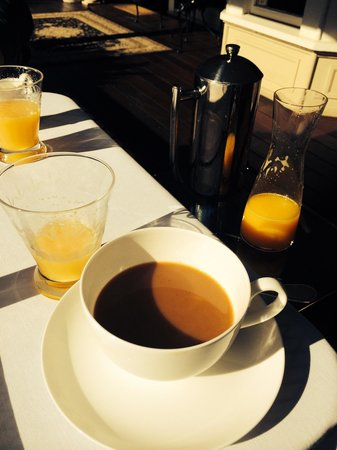 Luxe Calistoga: Delicious coffee and fresh squeezed orange juice..Yum'