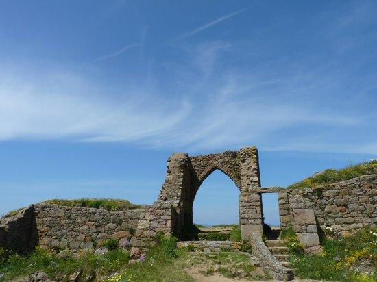 Grosnez Castle: Iconic image.