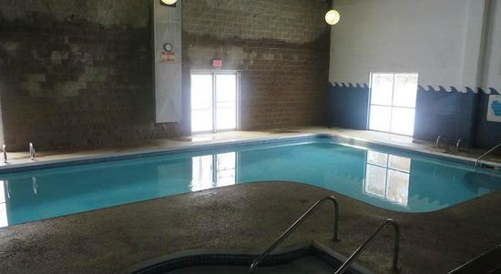 Voyageur Inn and Conference Center : Indoor Pool