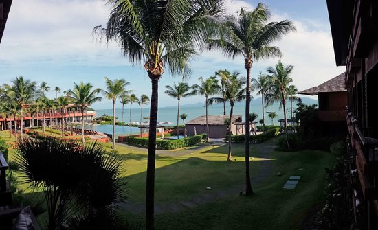 Hansar Samui Resort : Blick über das Hotelgelände vom Balkon aus