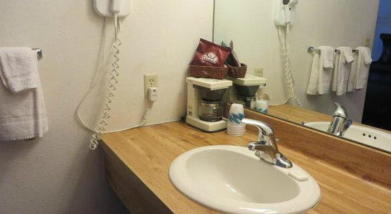 Voyageur Inn and Conference Center: Vanity