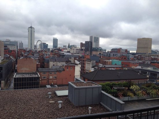 The City Warehouse Apartment Hotel: Pity the weather wasn't better but this is the view from the balcony.