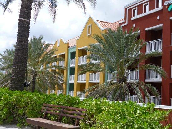 Renaissance Curacao Resort & Casino: fachada del hotel
