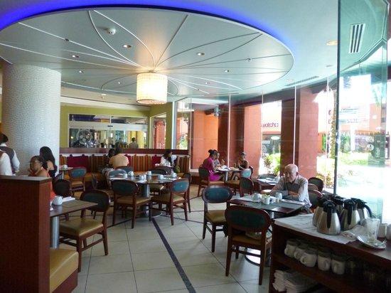 Renaissance Curacao Resort & Casino: por la mañana desayunador, que luego se transforma en el lugar donde sirven el almuerzo y la cen