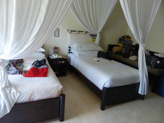 Legian Beach Hotel : 2. Zimmer nach Umzug mit single Betten