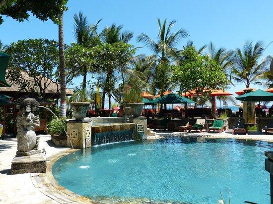 Legian Beach Hotel: Pool
