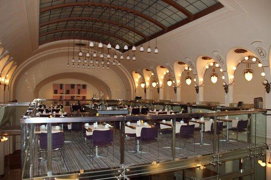K+K Hotel Central: Salle du petit déjeuner