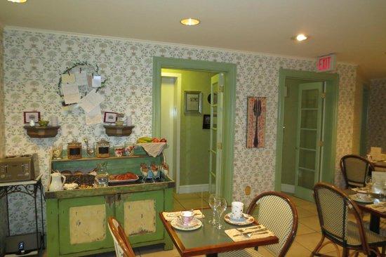 Rittenhouse 1715, A Boutique Hotel : Breakfast room (buffet)