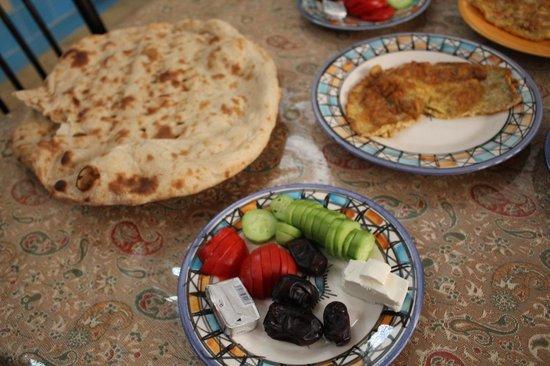 Farvardinn: Desayuno