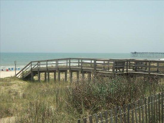 Kure Keys Motel : Beach access, just 100 feet away.
