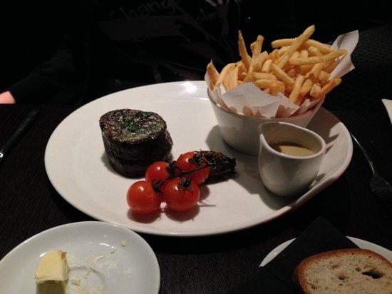 Brooklands Hotel: Steak at the restaurant