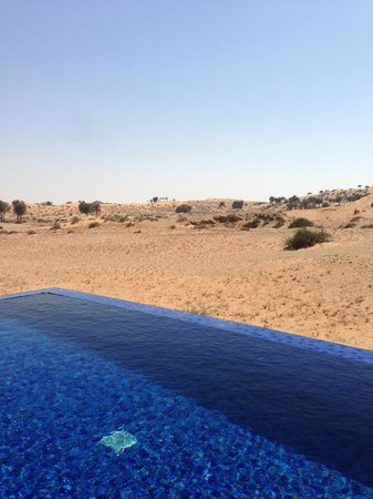 Banyan Tree Al Wadi : View from the pool and into the desert