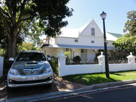 Fynbos Villa Guest House: Front elevation