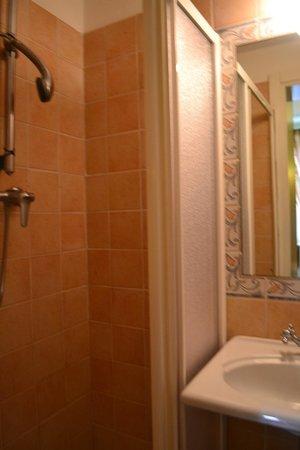 Villa Piccola Siena: banheiro