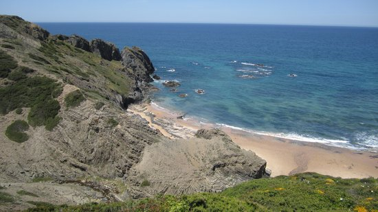 Cerro Da Borrega : Nearby beach