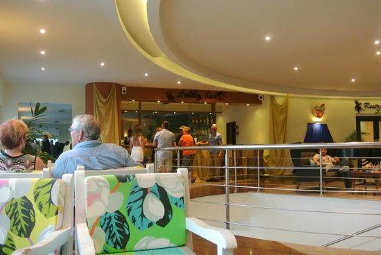 Sonesta Great Bay Beach Resort, Casino & Spa: Lobby Lounge Bar