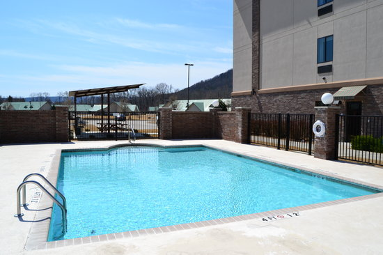 Holiday Inn Express & Suites Heber Springs: Pool