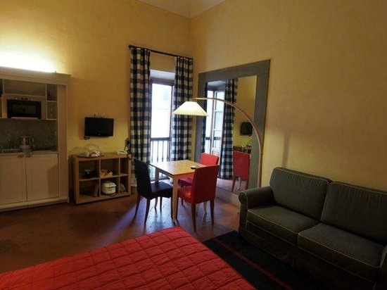 Piccolo Residence Apart-Hotel: Our studio apartment