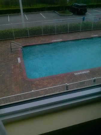 Holiday Inn Express Hotel & Suites Palm Bay: pool