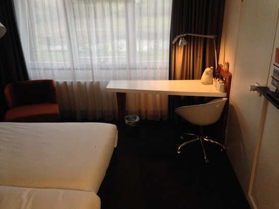 Mercure Amsterdam Airport: Bedroom
