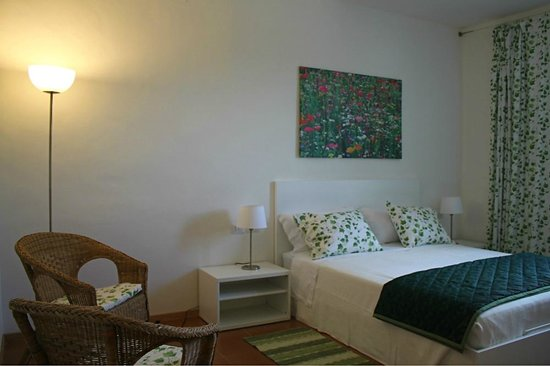 Locanda della Valle Nuova : The Casina Nuova master bedroom