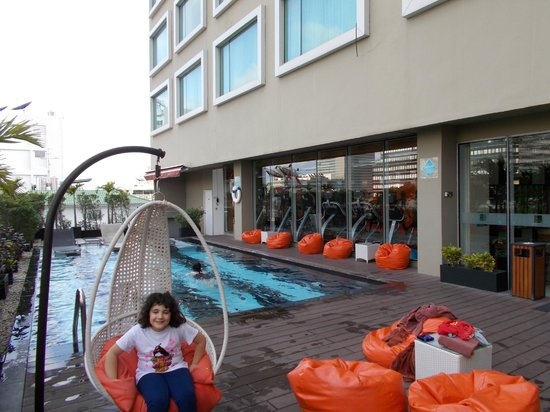 Novotel Bangkok Fenix Silom : piscina