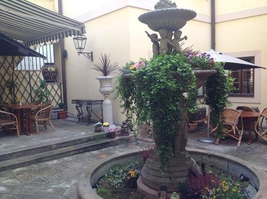 Alchymist Grand Hotel & Spa: Great place to sit and relax