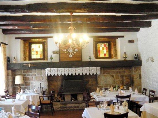 Auberge Hôtel-Restaurant Le Ratelier : quelle belle cheminée!