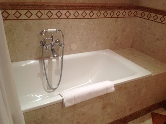 Alchymist Grand Hotel & Spa: Good soaking bath