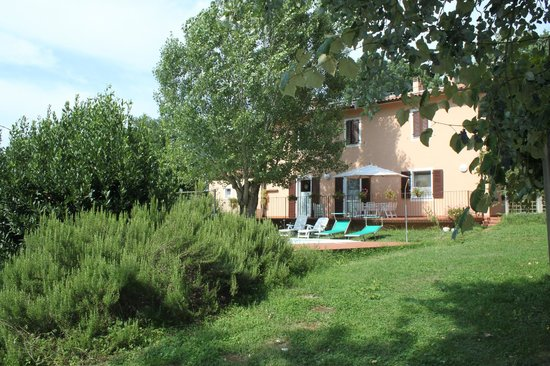 Locanda della Valle Nuova : The Locanda and the pool area