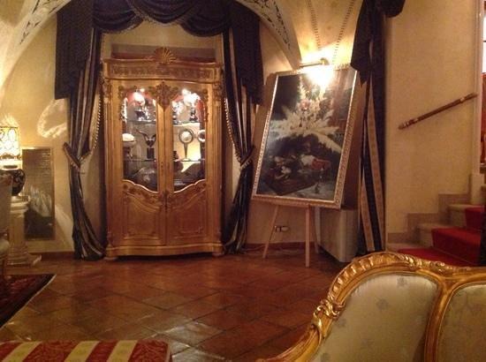 Alchymist Grand Hotel & Spa: Eclectic decor