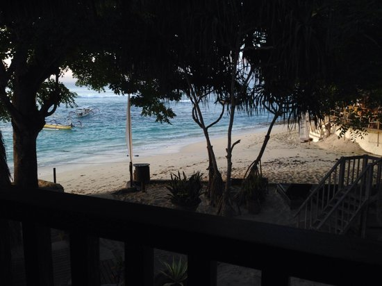 Hai Tide Beach Resort : View from bungalow 8 - you can hear the waves all night