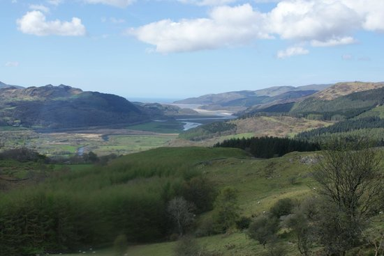 The Old Rectory on the Lake : Snowdonia National Park from the top of the local Precipice Walk .. well worth the climb