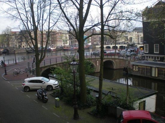 The Bridge Hotel : vista sul canale