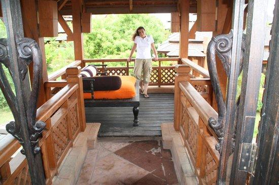Aureum Palace Hotel & Resort Bagan : Terraza