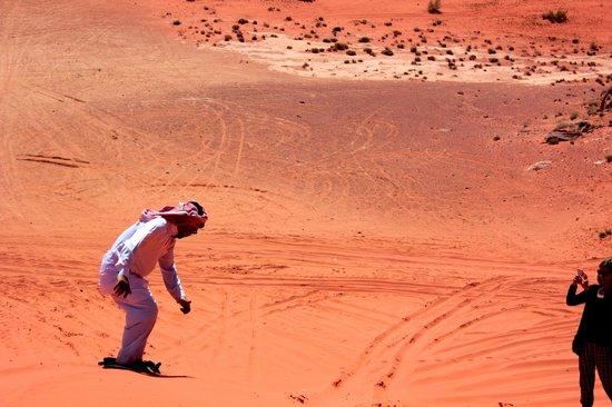 Obeid's Bedouin Life Camp: sandboarding