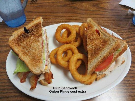 Sunbury Grill: Club Sandwich