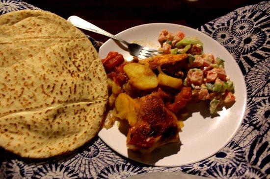 Obeid's Bedouin Life Camp : delicious dinner :)