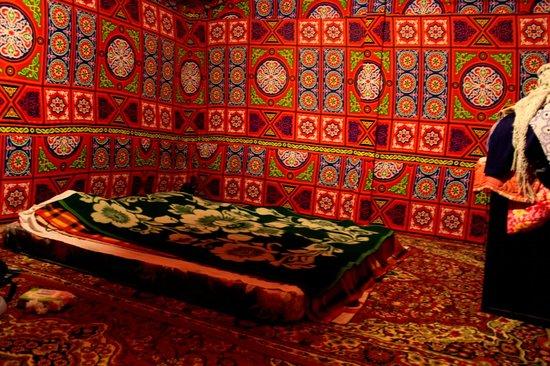 Obeid's Bedouin Life Camp : tent-room