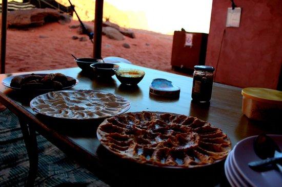Obeid's Bedouin Life Camp : breakfast