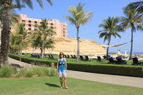 Shangri La Barr Al Jissah Resort & Spa-Al Bandar : The views form the hotel grounds.