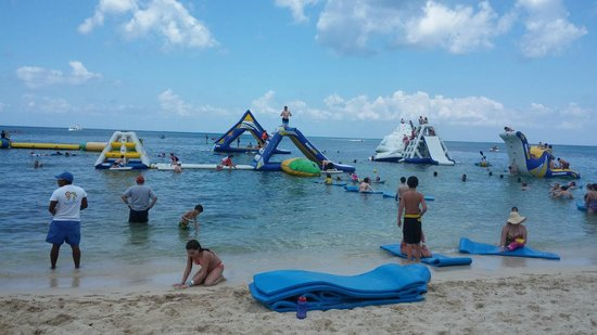 Paradise Beach: Water Inflatables