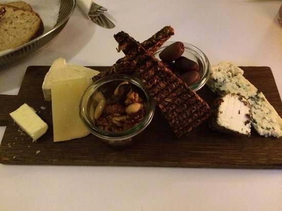 Cafe Skt Gertrud : Cheese platter
